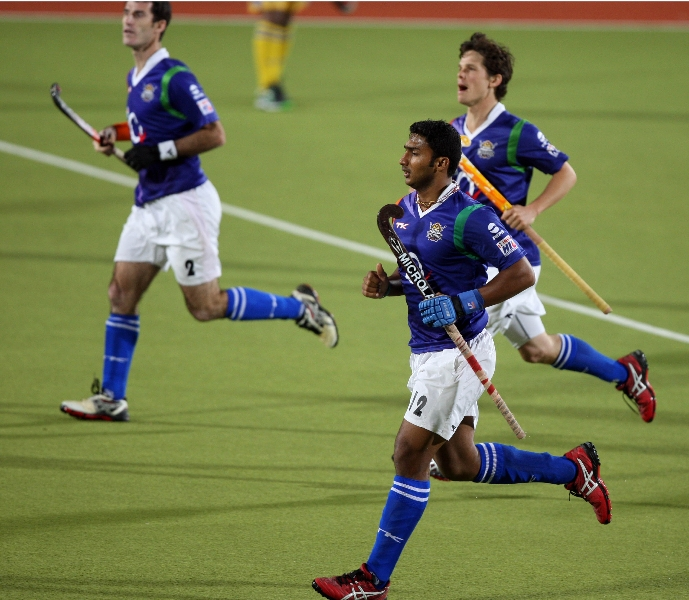 v-raghunath-celebrating-1rst-goal-for-upw-during-3rd-place-match-of-hhil2013-at-ranchi-1