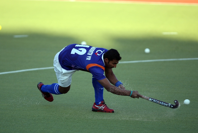 v-raghunath-in-warmup-session-before-match-for-3rd-place-of-hhil2013