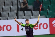delhi-waveriders-celebrating-after-hitting-a-goal-against-mumbai-magicians-at-delhi-on-16-jan-2013_0