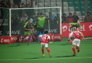delhi-waveriders-in-action-against-mumbai-magicians-at-delhi-on-16-jan-2013_1