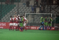 mumbai-magicians-celebrating-after-hitting-a-goal-against-delhi-waveriders-at-delhi-on-16-jan-2013-3