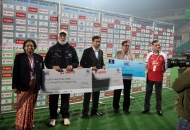 presentation-cermony-after-the-match-delhi-waveriders-vs-mumbai-magicians-at-delhi-on-16th-jan-2013