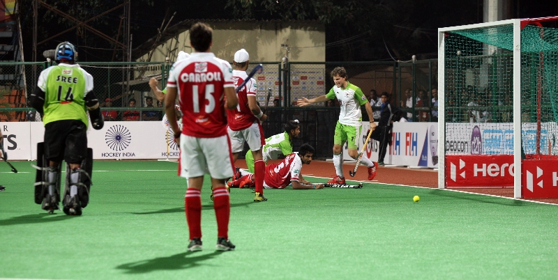 dwr-celebrates-after-a-goal-against-mm