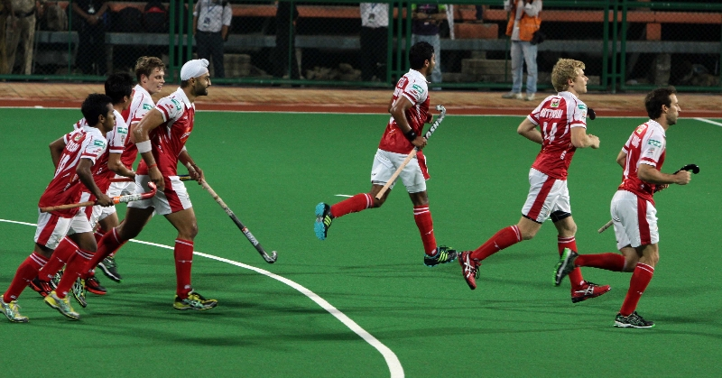 sandeep-singh-with-teammats-from-mm-celebrates-the-first-goal-against-dwr-2