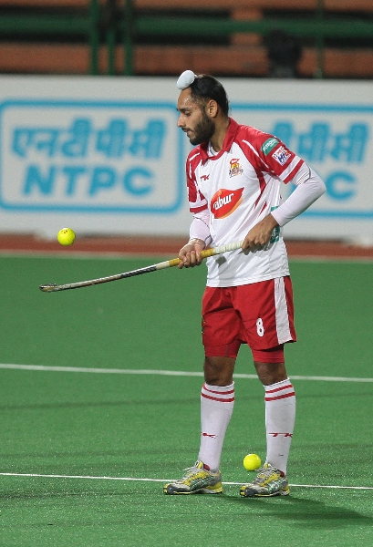 satbir-singh-from-mm-in-action-during-warm-up-session