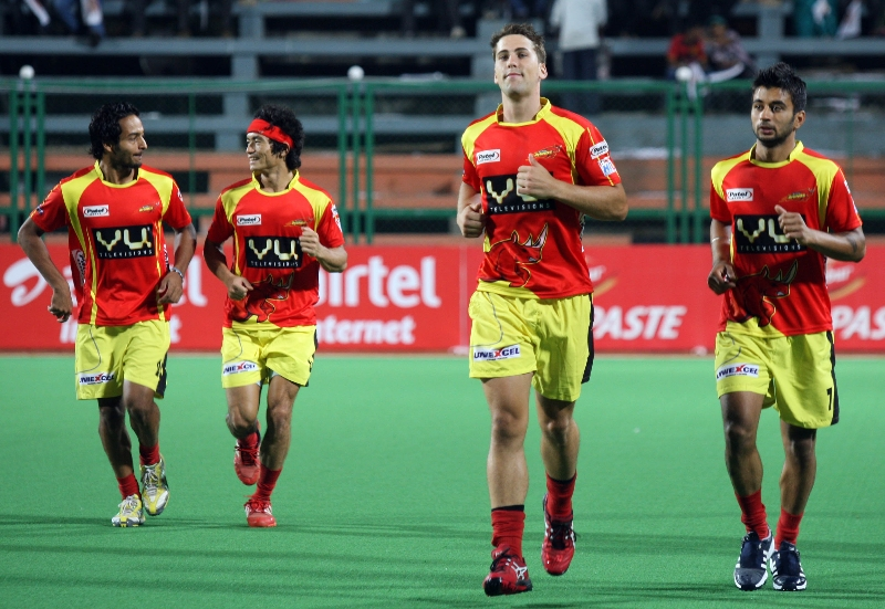 ranchi-rhinos-during-their-practice-session-at-mumbai-hockey-stadium-2