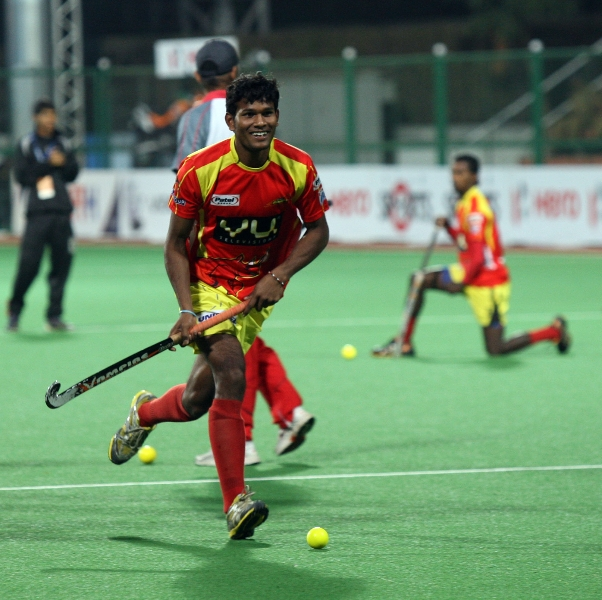 ranchi-rhinos-during-their-practice-session-at-mumbai-hockey-stadium-3