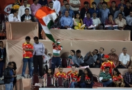 sachin-tendulkars-fan-sudhir-kumar-watching-the-match-of-mumbai-magicians-vs-ranchi-rhinos-mumbai-stadium