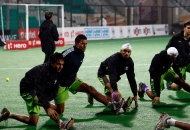 delhi-waveriders-team-during-warm-up-session-at-delhi-against-mumbai-magician-match-on-26th-jan-2013-7