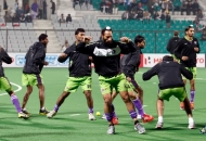 delhi-waveriders-team-during-warp-up-session-at-delhi-against-punjab-warriors-match-on-29th-jan-2013-1
