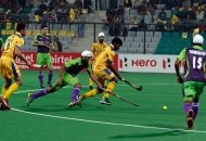 punjab-warriors-and-delhi-waveriders-player-in-action-during-the-match-between-punjab-warriors-and-delhi-waveriders-at-delhi-on-29th-jan-2013-1