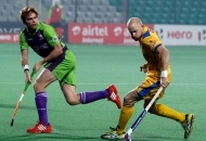 punjab-warriors-and-delhi-waveriders-player-in-action-during-the-match-between-punjab-warriors-and-delhi-waveriders-at-delhi-on-29th-jan-2013-2