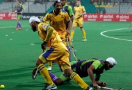 punjab-warriors-and-delhi-waveriders-player-in-action-during-the-match-between-punjab-warriors-and-delhi-waveriders-at-delhi-on-29th-jan-2013-4