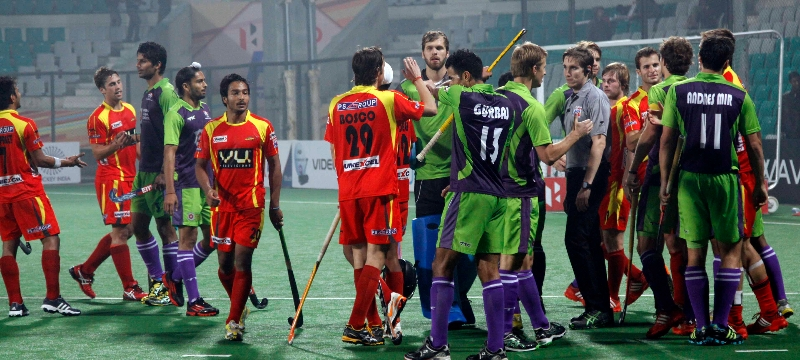 the-match-ended-up-at-draw_delhi-waveriders-vs-ranchi-rhinos-at-delhi-on-30th-jan-2013-2