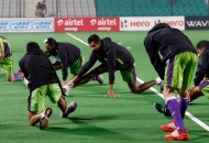 delhi-waveriders-team-during-warp-up-session-at-delhi-against-ranchi-rhinos-match-on-30th-jan-2013-1