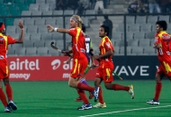 ranchi-rhinos-team-celebrating-their-third-goal-against-delhi-waveriders-at-delhi-on-30th-jan-2013