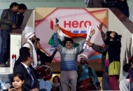 supporter-enjoying-the-match-between-delhi-waveriders-vs-ranchi-rhinos-at-delhi-on-30th-jan-2013