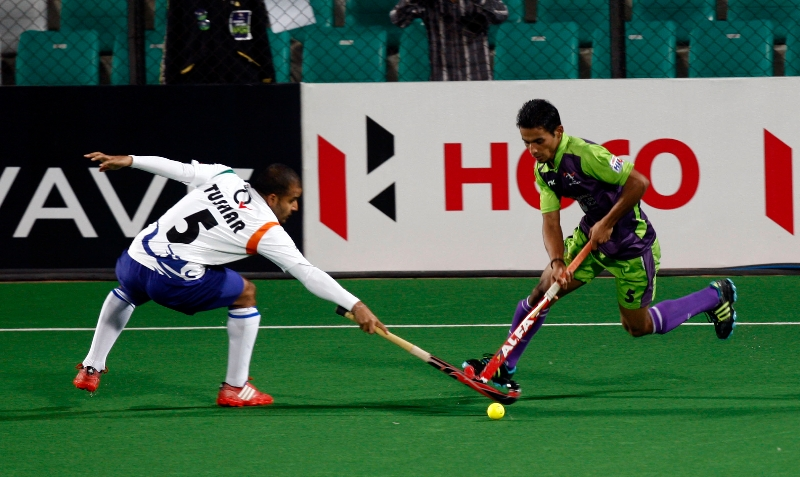 imran-khan-player-of-delhi-waveriders-action-against-uttar-pradesh-wizards-at-delhi-on-7-feb-2013