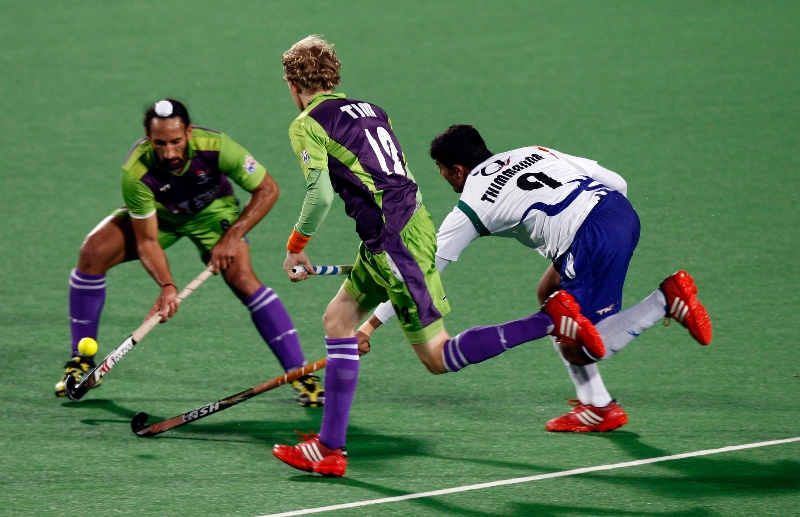 sardar-singh-player-of-delhi-waveriders-action-against-uttar-pradesh-wizards-at-delhi-on-7-feb-2013_0