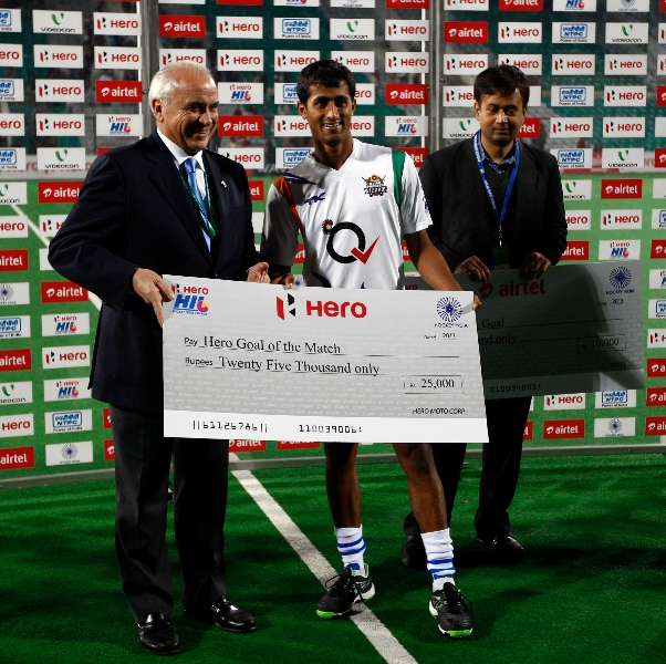 somanna-pudiyokkada-take-hero-goal-of-the-match-at-delhi-on-7-feb-2013