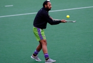 sardar-singh-captain-of-delhi-waveriders-doing-practice-before-match-at-delhi