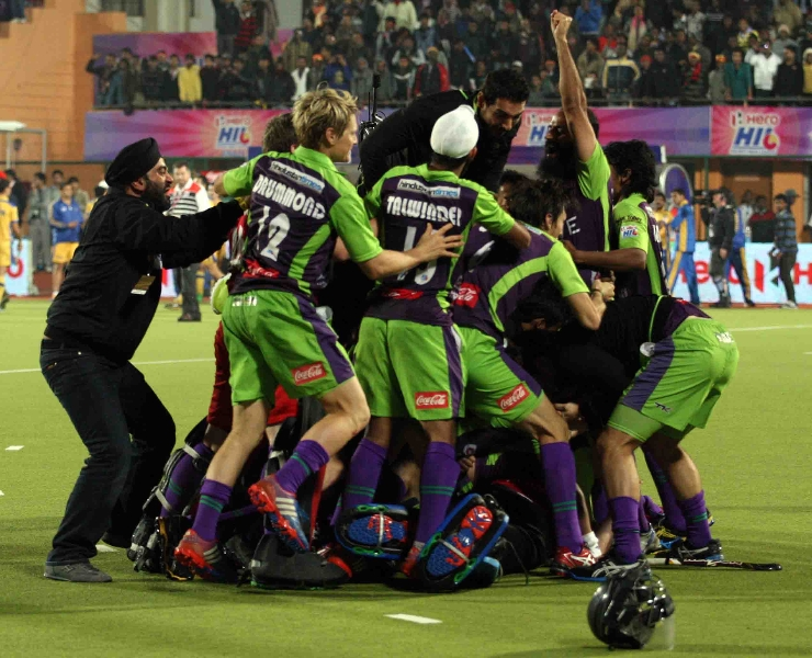 dwr-players-celebrates-after-won-the-match-against-jpw-5