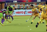sardar-singh-c-of-dwr-in-action-against-jpw