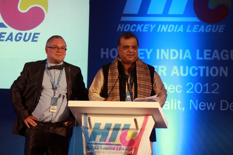 Dr. Narinder Batra, Secretary General Hockey India and Chairman Hockey India League with Bob Hayton, the renowned Auctioneer for the event