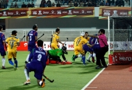 first-goal-for-punjab-hitting-by-dwyer-jame-his-captain-against-up-wizards-at-jalandhar-on-17th-jan-2013-1