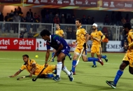 punjab-warriors-and-up-wizards-player-in-action-during-the-match-at-jalandhar-on-17th-jan-2013-3