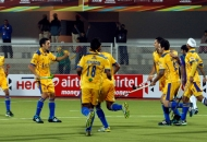 punjab-warriors-celebrating-their-first-goal-against-up-wizars-at-jalandhar-1