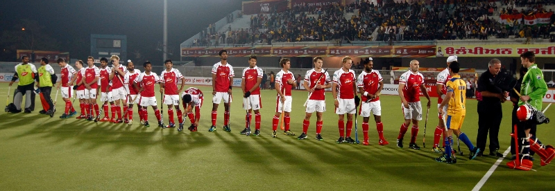 mumbai-magician-team-lineup-before-the-match-against-punjab-warriors-at-jalandhar-on-24th-jan-2013