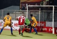 1st-goal-for-mumbai-magician-hit-by-sandeep-singh-against-punjab-warriors-at-jalandhar-on-24th-jan-2013-hhil-tournament-2