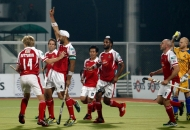 1st-goal-for-mumbai-magician-hit-by-sandeep-singh-against-punjab-warriors-at-jalandhar-on-24th-jan-2013-hhil-tournament-3