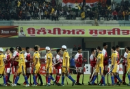 both-team-shake-hands-to-each-other-before-the-match-at-jalandhar-on-24th-jan-2013