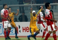 malak-singh-of-punjab-warriors-scoring-second-goal-for-punjab-warriors-against-mumbai-magician-at-jalandhar-on-24th-jan-2013-2