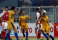 malak-singh-of-punjab-warriors-scoring-second-goal-for-punjab-warriors-against-mumbai-magician-at-jalandhar-on-24th-jan-2013-3