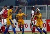 malak-singh-of-punjab-warriors-scoring-second-goal-for-punjab-warriors-against-mumbai-magician-at-jalandhar-on-24th-jan-2013-3
