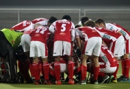 mumbai-magician-team-huddles-during-match-at-jalandhar-against-punjab-warriors-match-on-24th-jan-2013