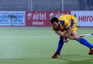 s-v-sunil-scores-third-goal-for-punjab-warriors-against-mumbai-magician-at-jalandhar-on-24th-jan-2013-1