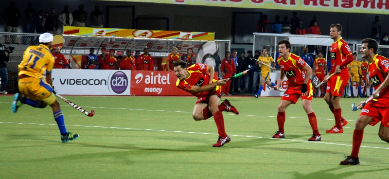 justin-reid-ross-scored-a-third-victory-goal-for-rr-against-jpw-at-jalandhar-on-4th-feb-2013-3