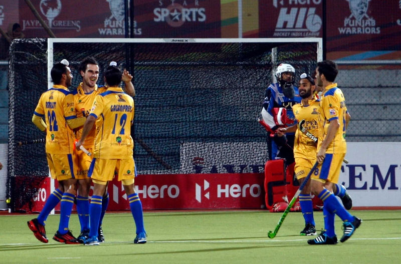 lucas-rey-scores-first-goal-for-punjab-warriors-against-ranchi-rhinos-at-jalandhar-on-4th-feb-2013-3