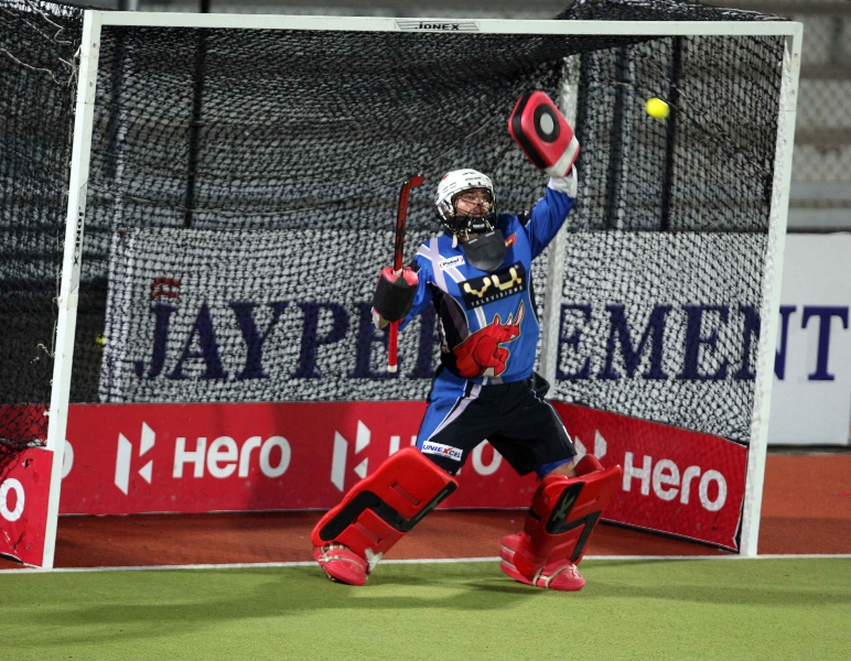 ranchi-rhinos-goal-keeper-in-action-in-warmup-session-at-jalandhar