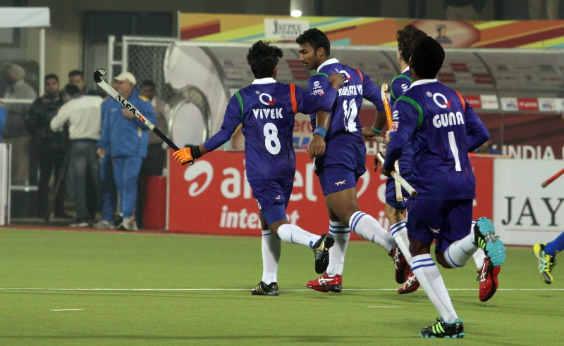 raghunath-skipper-of-up-wizards-scoring-a-first-goal-for-up-wizards-against-punjab-warriors-at-jalandhar-on-22nd-jan-2013-7