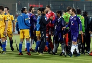 both-team-shake-hand-to-each-other-after-draw-the-match-at-jalandhar-on-22nd-jan-2013-1