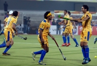 punjab-warriors-celebrating-their-first-goal-against-up-wizards-match-at-jalandhar-on-22nd-jan-2013-2
