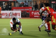 V R RAGHUNATH OF UPW IN ACTION AGAINST RR IN THEIR HERO HOCKEY INDIA LEAGUE 2014 ON 26TH JAN 2014 AT RANCHI