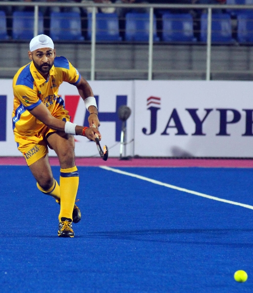 sandeep singh of JPW in action against DMM