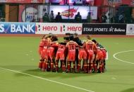 RR team huddle