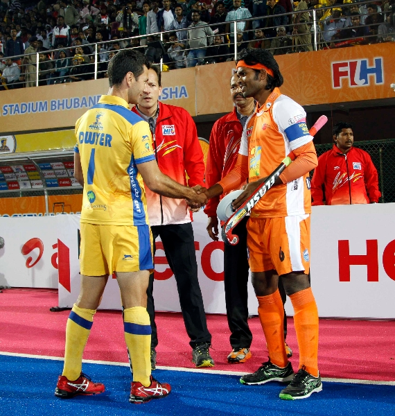 toss-of-match-between-jpw-and-kl-at-bhubaneswar